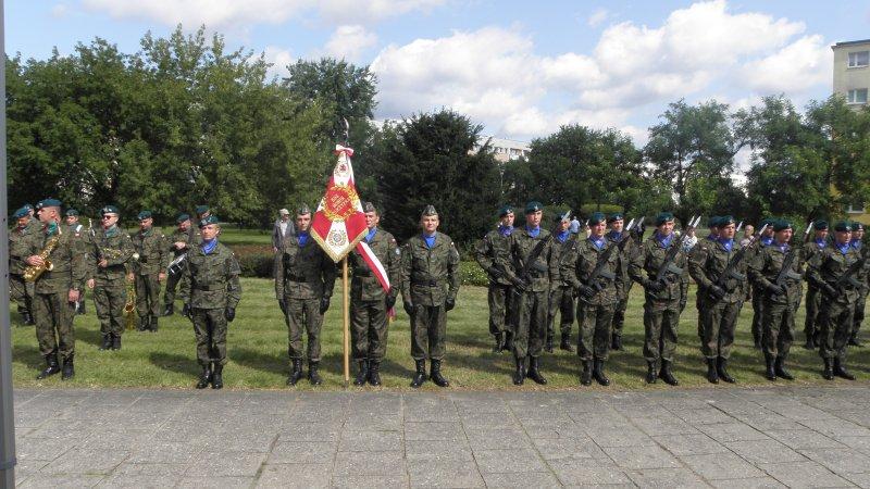 Fotoreportaż z udziału w uroczystych obchodach Święta Lotnictwa Polskiego na bydgoskim Błoniu w dniu 26.08.2017 r.